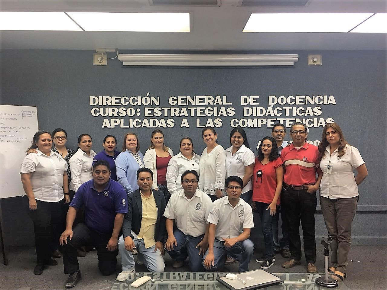 Se realizan diversos cursos para profesores de la UNACAR, como parte de la Superación Académica.