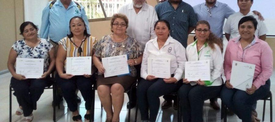 Profesores de la UNACAR recibieron constancia como miembros de las Academias Estatales de la Educación Media Superior